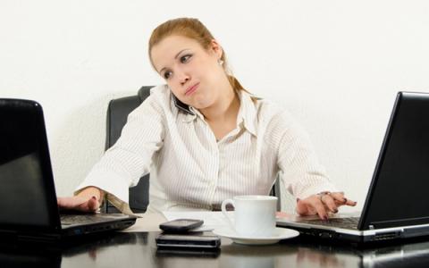 Оплата труда замещающим отсутствующего работника при сменном режиме работы