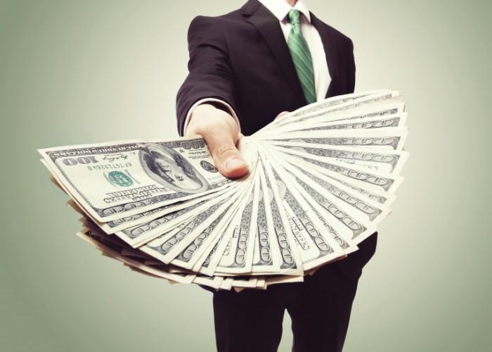 Зарплата в долларовом эквиваленте