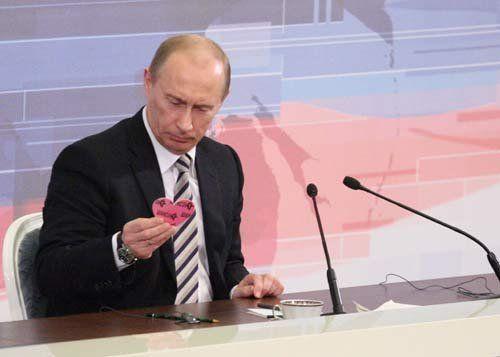 Путин уйдет в отставку: президента подозревают в заболевании Паркинсон
