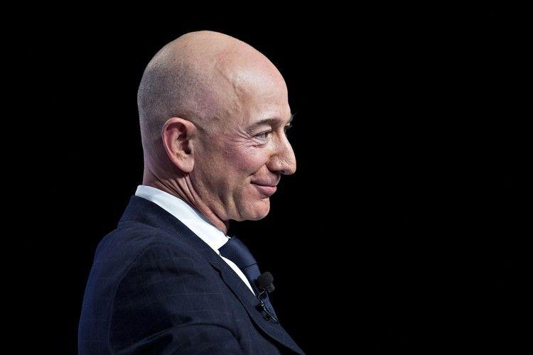 Самый богатый человек мира за день потерял 9 миллиардов