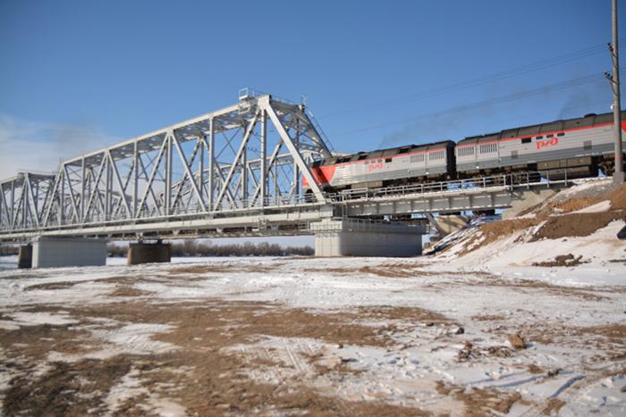 В Астрахани открыли новый железнодорожный мост