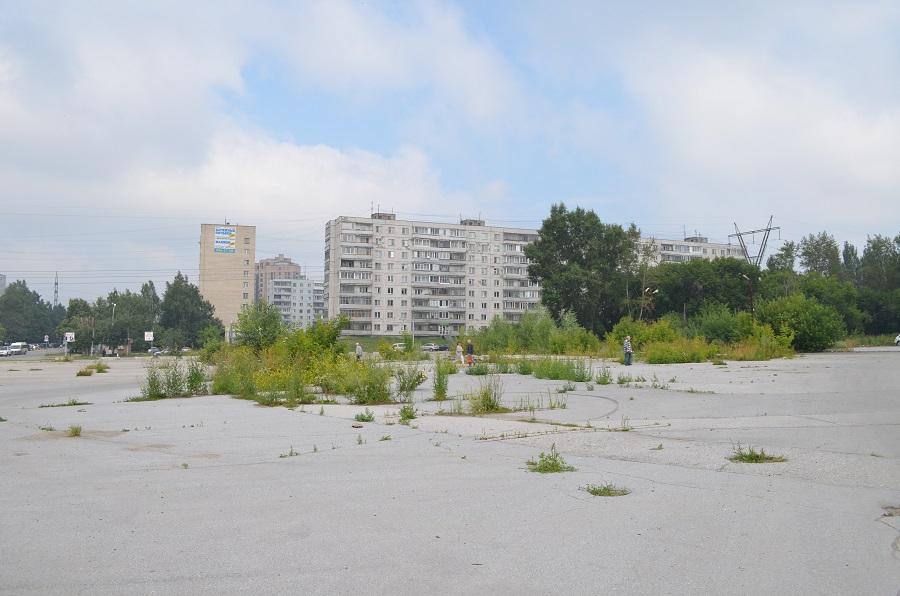 Как сейчас выглядит будущий сквер на Демакова