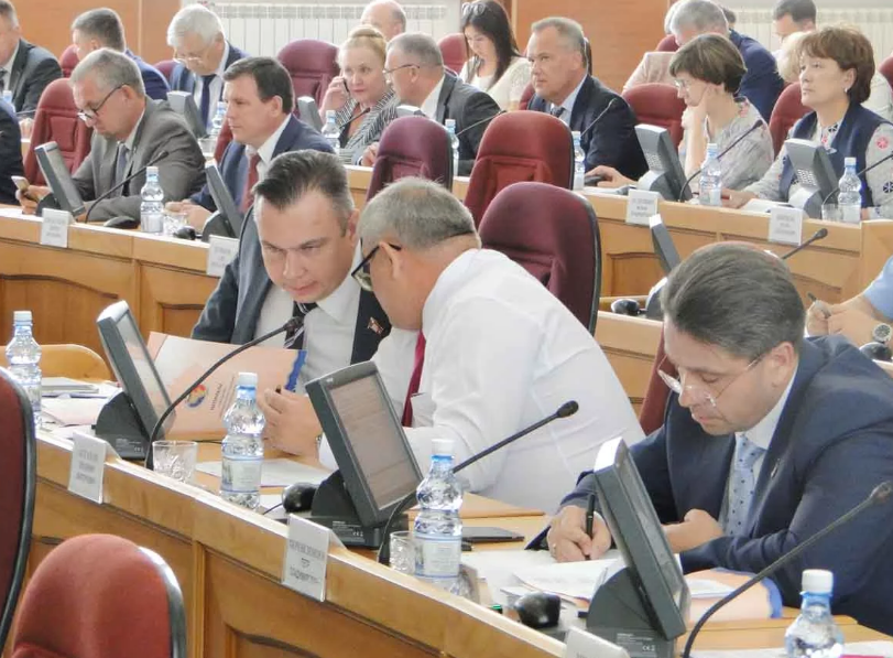 В Приамурье будут экономить на депутатах. Их будет меньше
