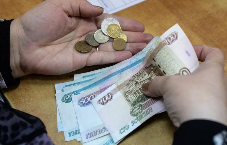 Субсидия должникам: давать или нет?