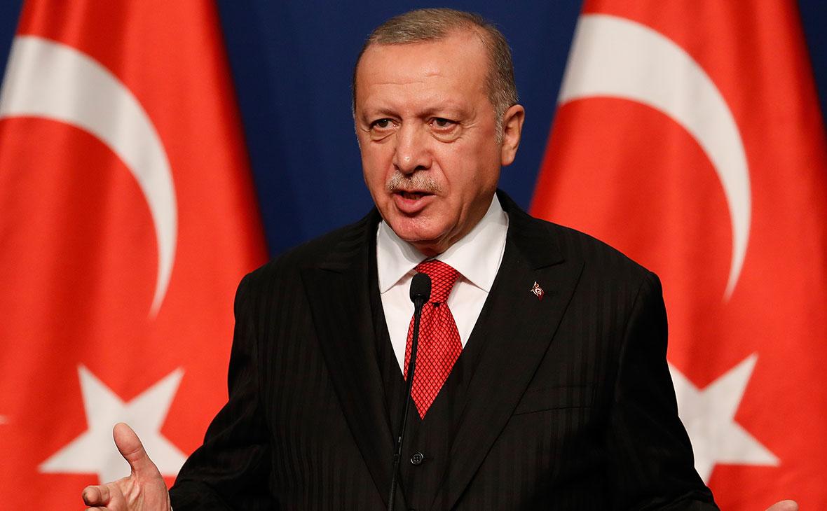 Курс турецкой лиры рухнул после увольнения главы ЦБ
