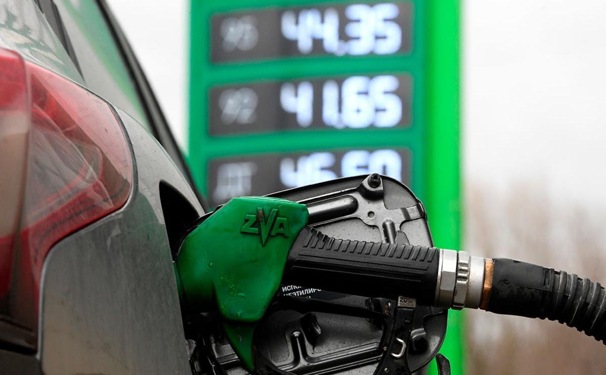Мнение экспертов: сколько будет стоить бензин в России к концу 2021