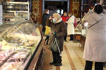 Пенсионерам, которые жалуются на нехватку средств, посоветовали найти подработку - Lenta.ru