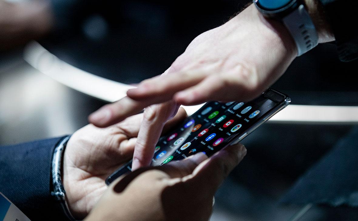 ФАС не поддержала проект по предустановке российских приложений на смартфоны