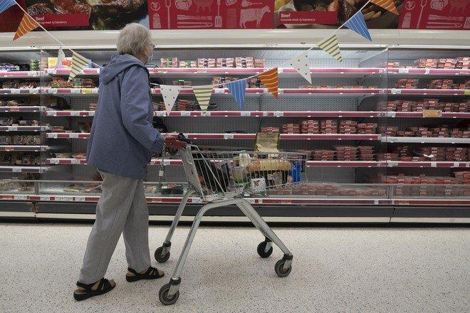 Британия столкнулась с дефицитом продуктов и товаров первой необходимости