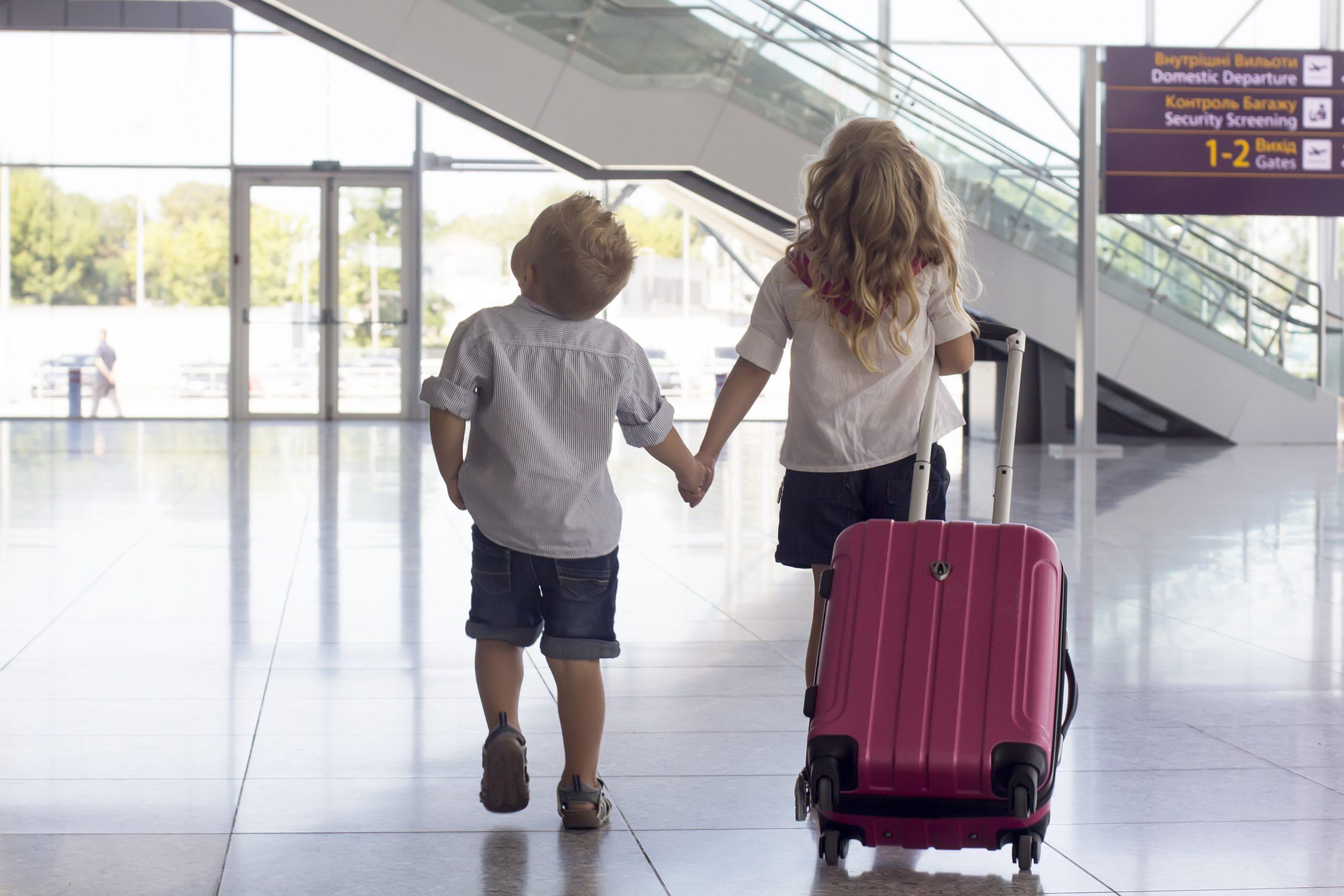 МВД утвердило регламент, изменяющий правила выезда детей за рубеж